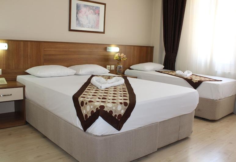 Gokcen Hotel, Antioquía, Habitación triple estándar, Habitación