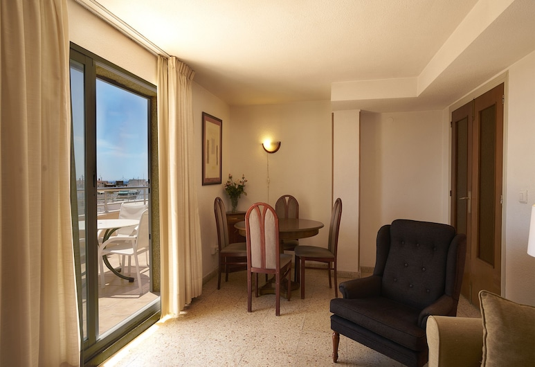 Apartamentos Maja, Benidorm, apartman, 2 hálószobával, erkély, kilátással a városra, Nappali