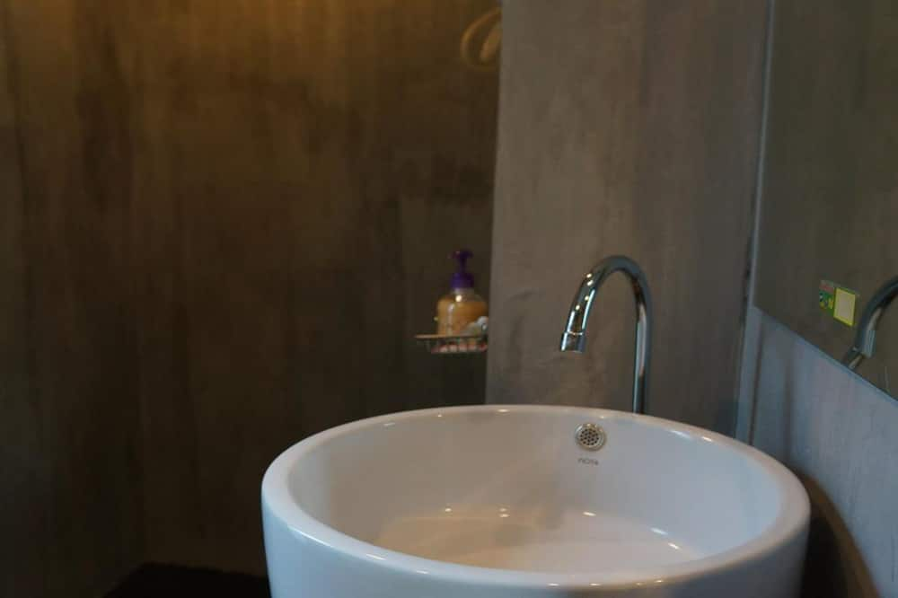 Standard-huone - Kylpyhuoneen pesuallas