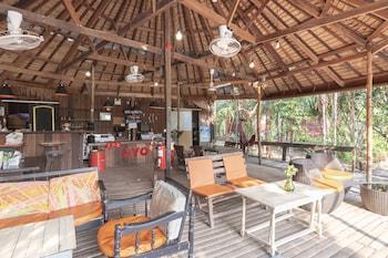 象島OYO 693 樹屋小屋酒店的圖片