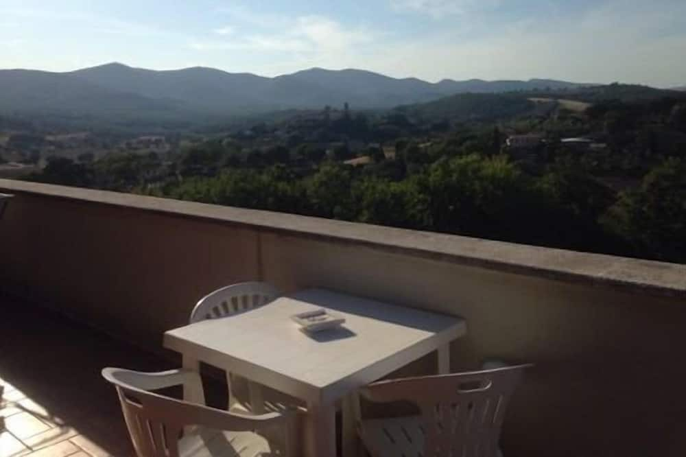 อพาร์ทเมนท์สำหรับครอบครัว, 1 ห้องนอน, วิวสระว่ายน้ำ, ริมสระว่ายน้ำ (Orvieto) - ระเบียง