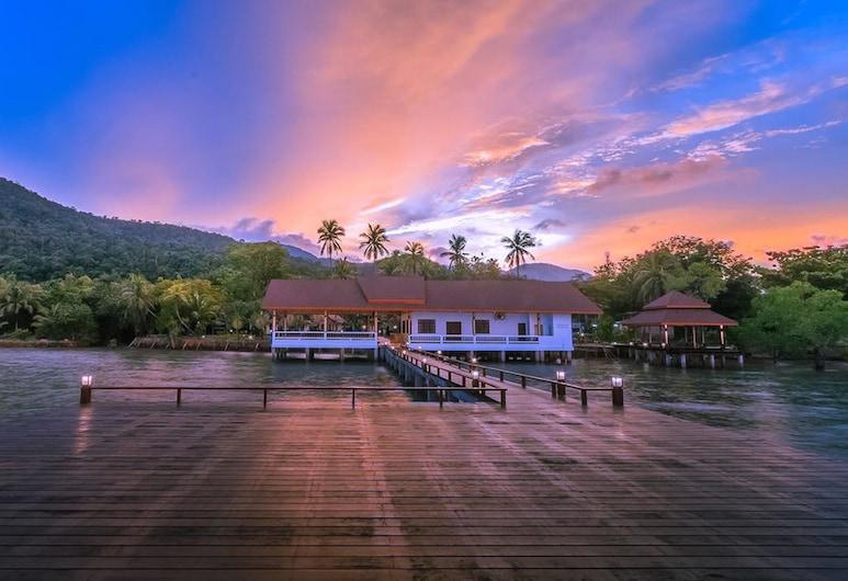 良景度假村, 象島