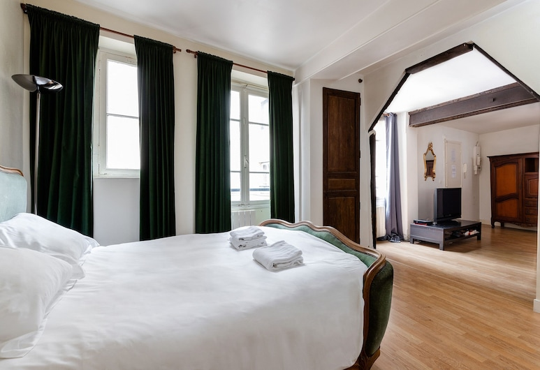 Central Paris - Chatelet Apartment, Παρίσι, Διαμέρισμα, Κουζινούλα, Θέα από το δωμάτιο