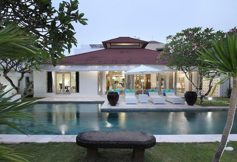 Villa Putih Seminyak, Seminyak, Piscina externa