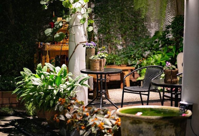 Sabai Day Guesthouse, Chiang Mai, Terrasse/Patio