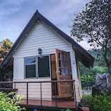Bungalow with River View  - Kamer