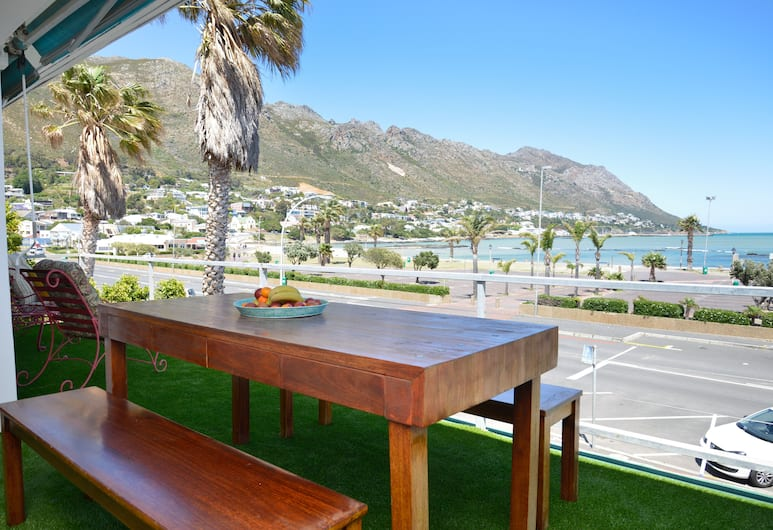 Mardi Gras, Cape Town, Luxury Apartment, 2 Bedrooms, Balcony