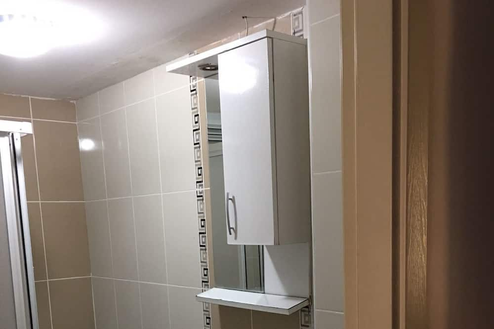 Classic House, Women only - Bathroom