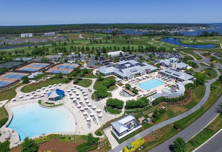 Luxury Villa at The Peninsula - Sleeps 14 - Great for Large Gatherings, ميلسبورو, حمام سباحة