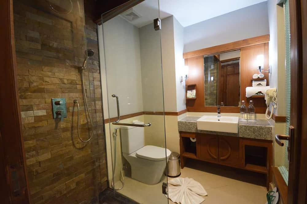 Royal-Zimmer, Balkon - Badezimmer