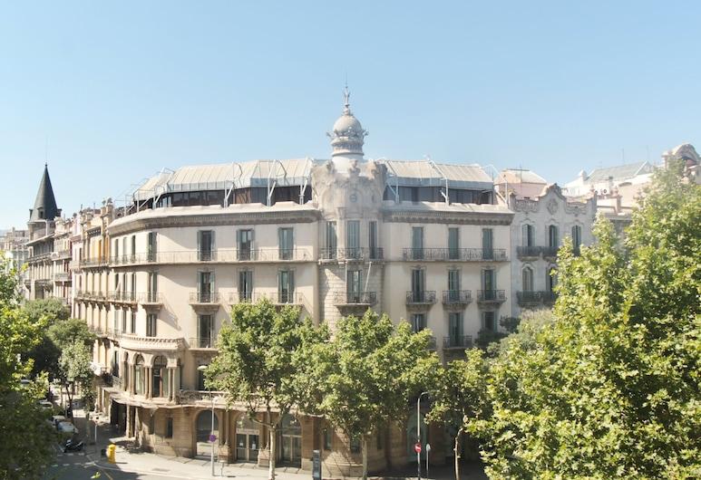 Som Nit Triomf, Barcelona, Family Room, Balcony, Hotel Front
