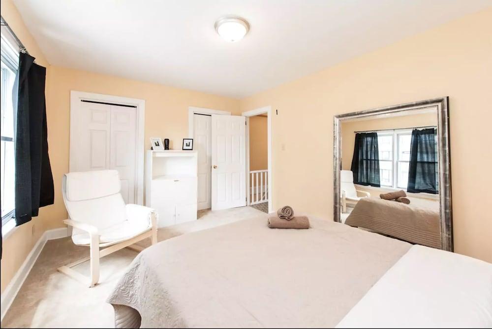 Home in Trendy & Vibrant Westboro in Ottawa - Hotels.com