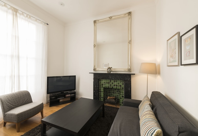 Fresh 2 Bedroom Flat in Victoria - Zone 1, London, Comfort-Apartment, eigenes Bad (2 Bedrooms), Wohnzimmer