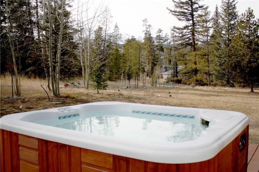 Book Wellington Haus - Private Hot Tub in Breckenridge | Hotels.com