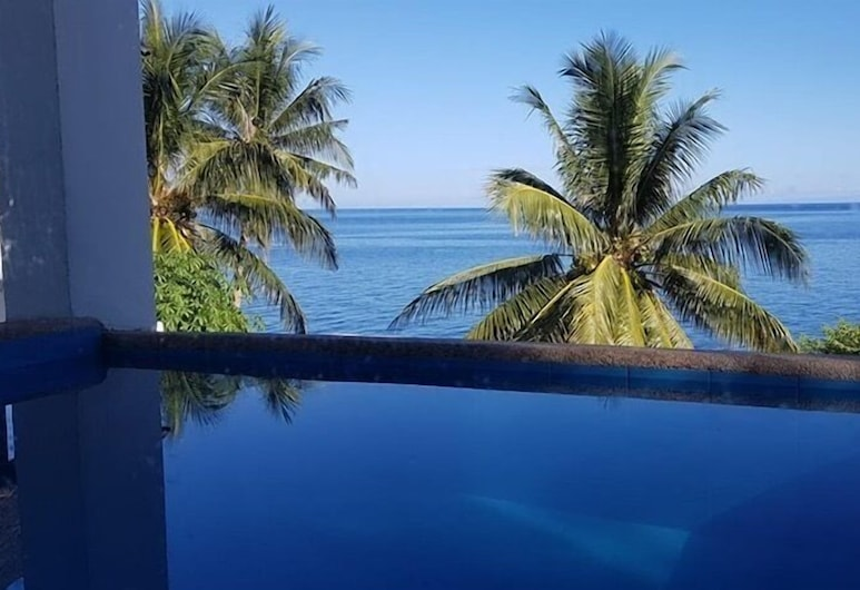 Bintana Sa Paraiso, Mambajao, Habitación romántica, 1 cama Queen size, piscina privada, vista al mar, Vista a la playa o el mar