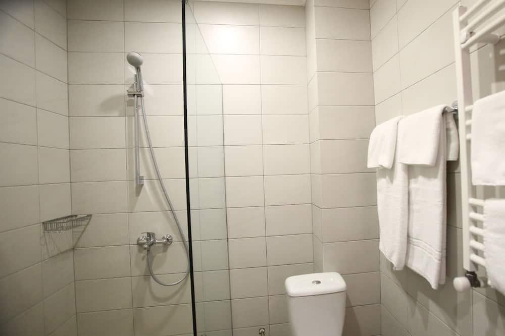 Economy-Doppelzimmer, Balkon - Badezimmer