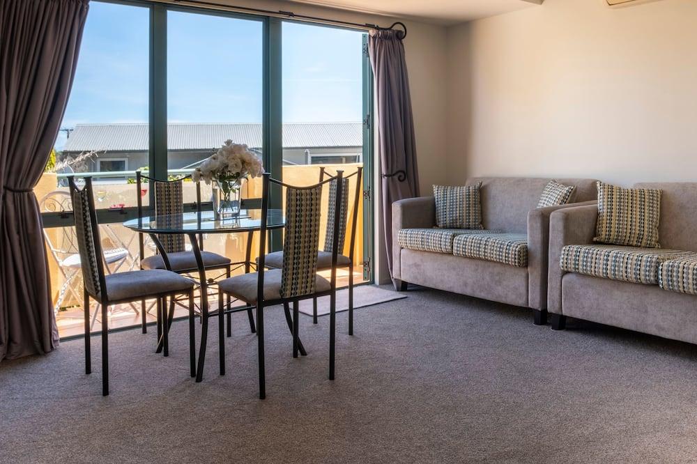2-Bedroom Spa Suite - Guest Room