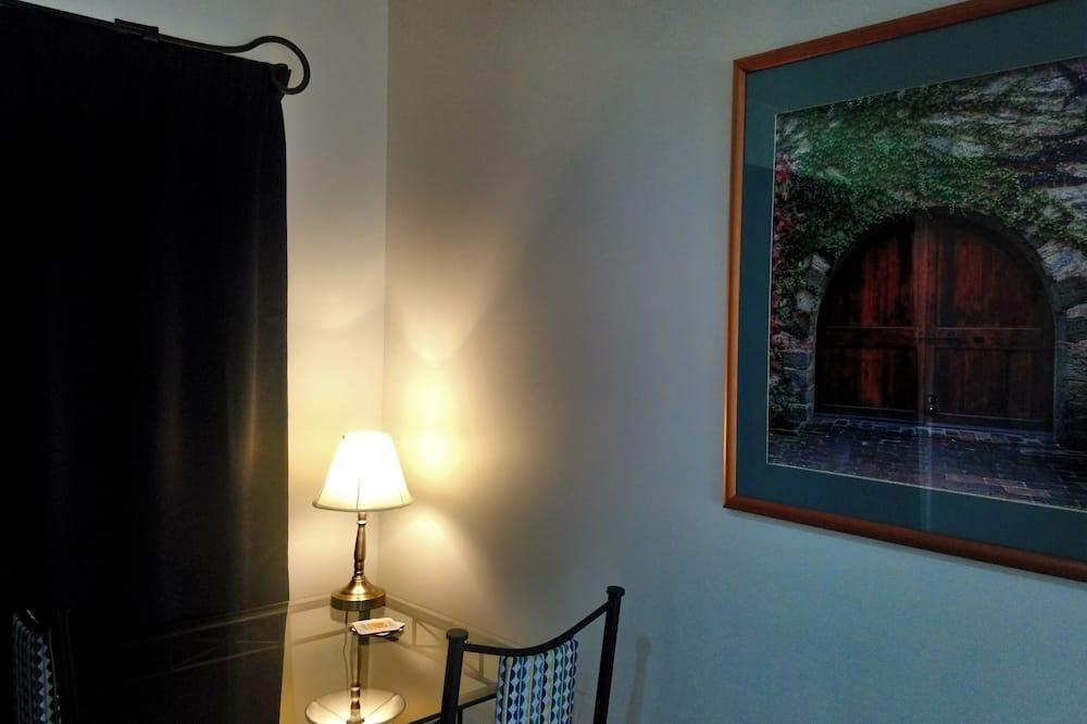 One Bedroom Suite - In-Room Dining
