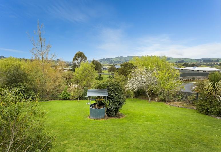 Superior Dunedin Apartments, Dunedin, Garden