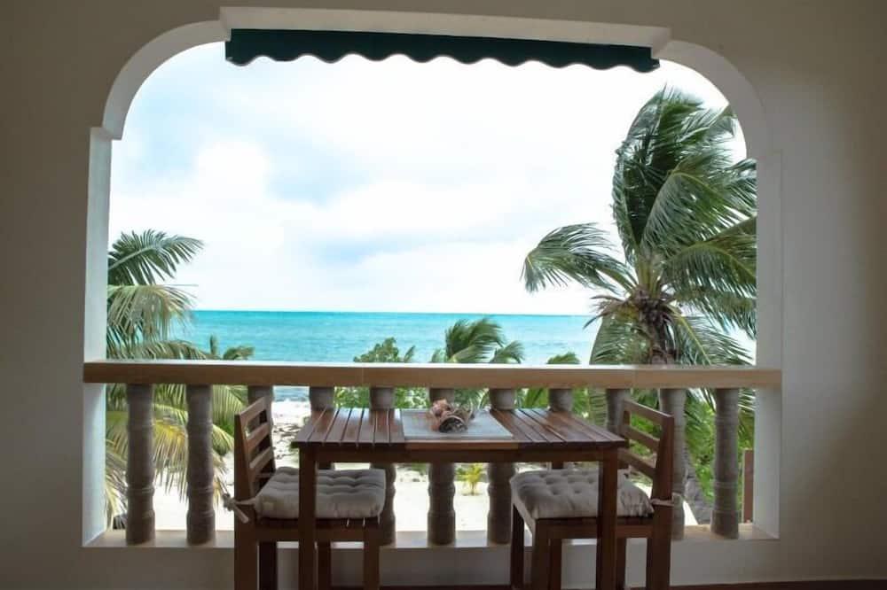 Tuba, rõduga, vaade merele - Rõdu