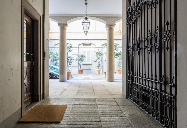 Walk to the Duomo Apartment, Milaan, Ingang van de accommodatie