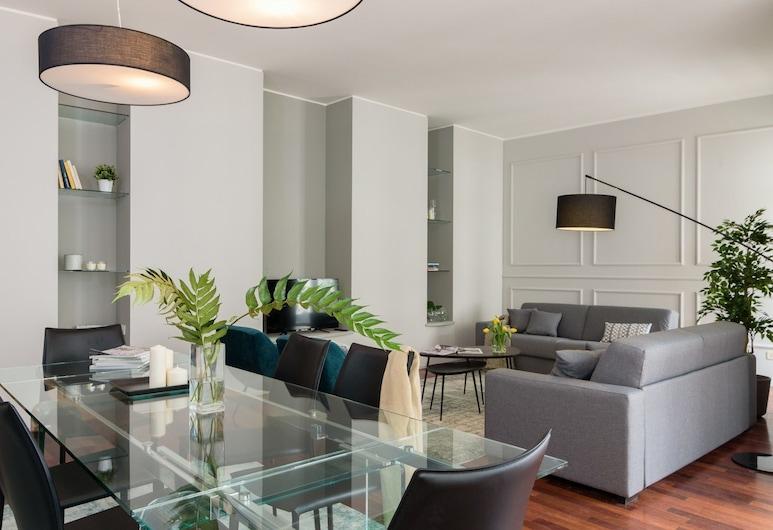 Sparkling Brera, Milan, Apartment, 3 Bedrooms, 2 Bathrooms, Living Area