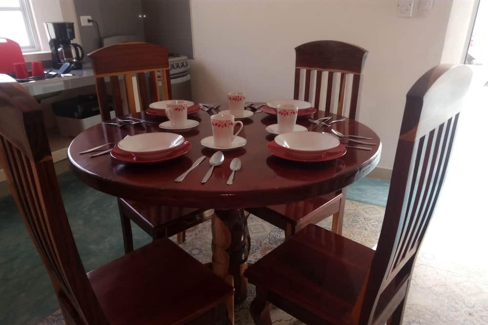 四人房, 2 張標準雙人床 - 客房內用餐