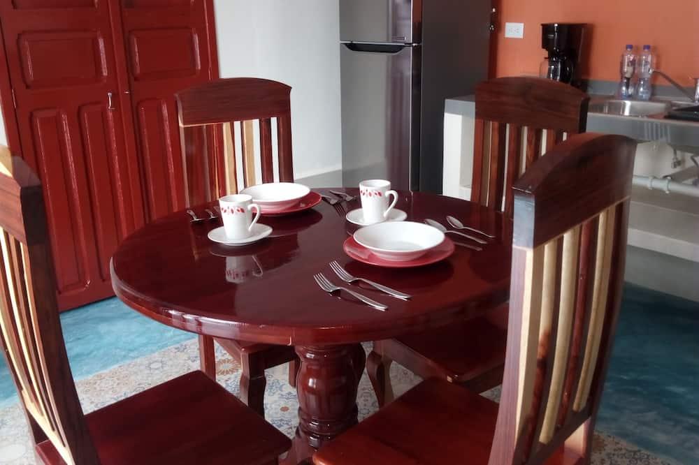 套房, 1 張標準雙人床 - 客房內用餐