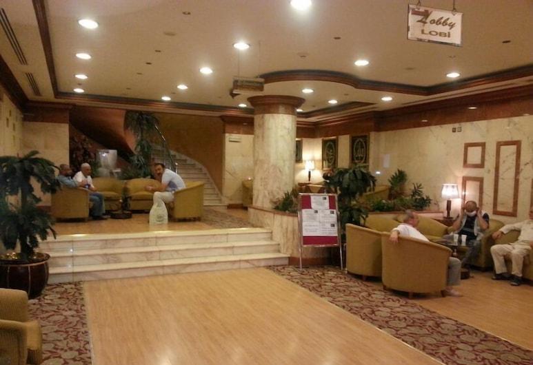 Qibla Manazeli, Medina, Sittområde i lobbyn
