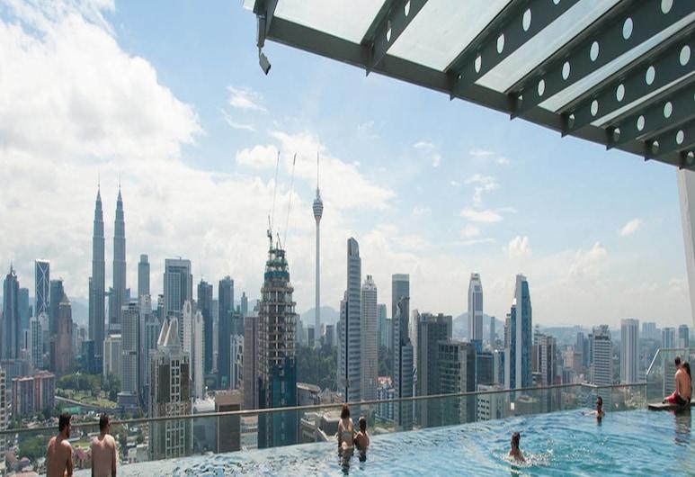 Fardain Place, Kuala Lumpur, Piscine sur le toit