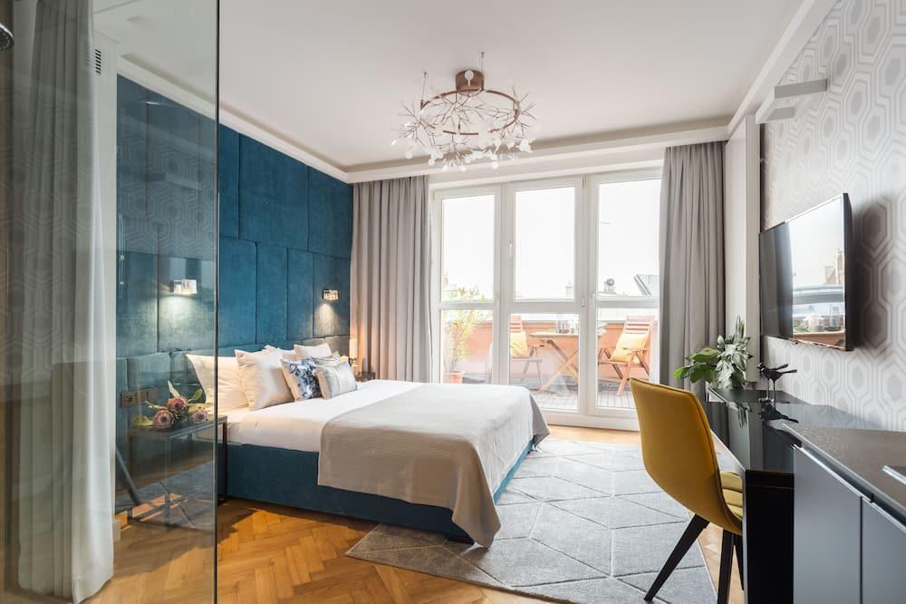 Deluxe Studio, 1 Queen Bed, Terrace, City View - Balcony