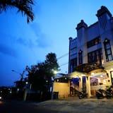 ZEN Rooms Basic Audah Syariah Sutos, Surabaya