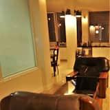 Ambasador Suit Apartment - พื้นที่นั่งเล่น