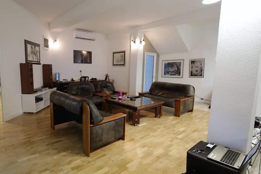 Ambasador Suit Apartment - ห้องนั่งเล่น
