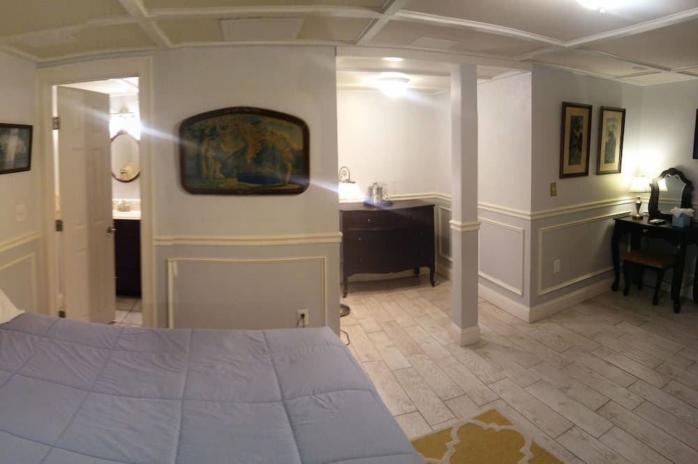 Room, Private Bathroom (Economy Room) - Guest Room