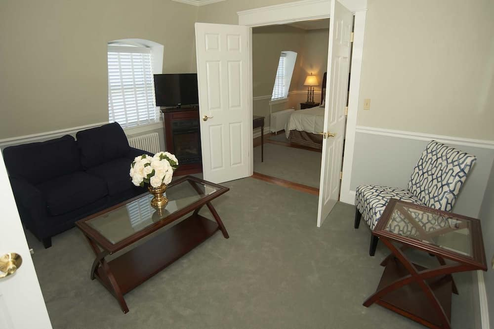 Suite, Private Bathroom (Two Bedroom Suite) - Living Room