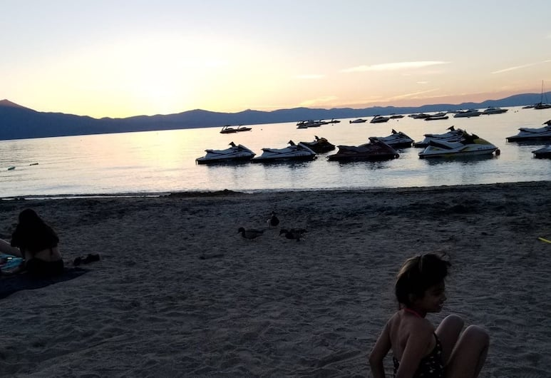 A&A Lake Tahoe Inn, Lago Tahoe sur, Playa