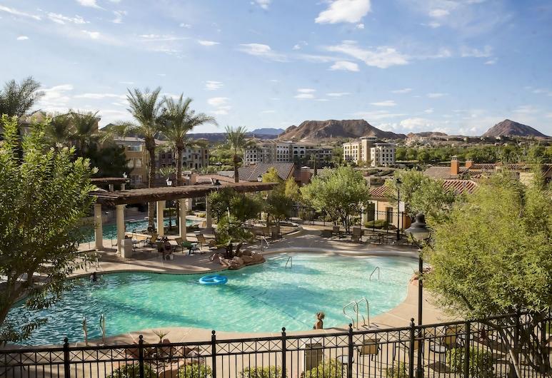 Pool View, Updated 2 Bedroom Viera Condo at Lake Las Vegas!, Хендерсон, Бассейн