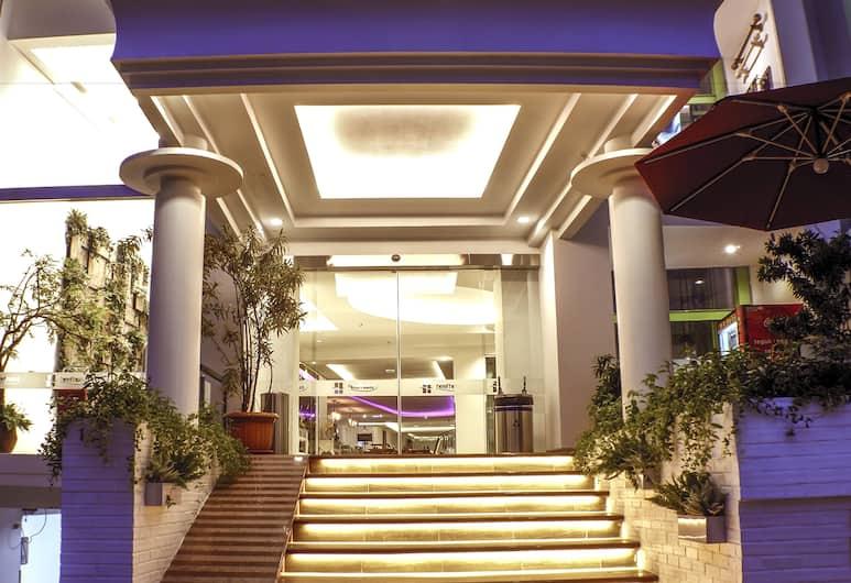 Heef Hotel, Jakarta, Pintu Masuk Hotel