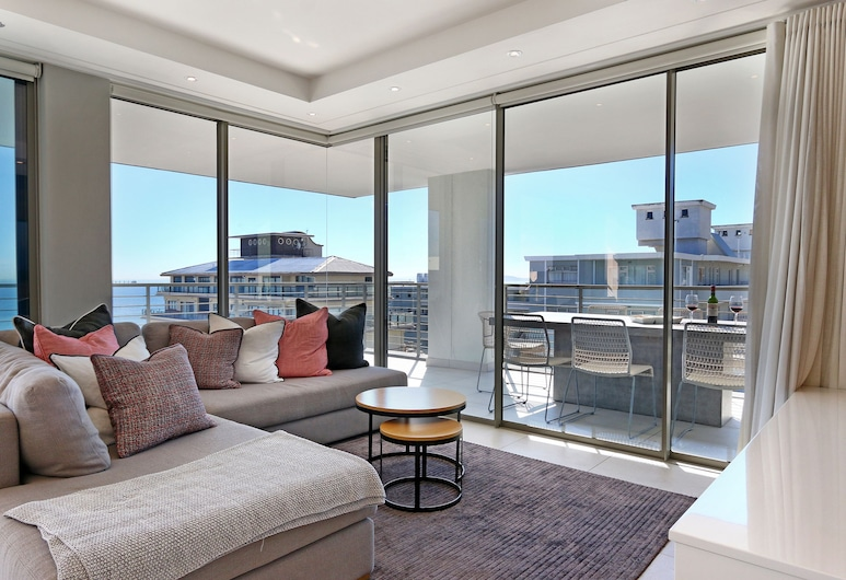 Ocaso by Totalstay, Cape Town, Exclusive Apartment, Ocean View, Living Area