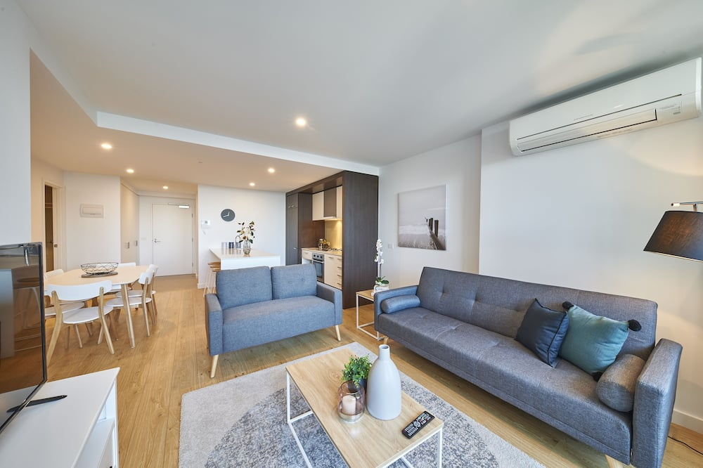 Family Apartment, 3 Bedrooms, City View - Living Room