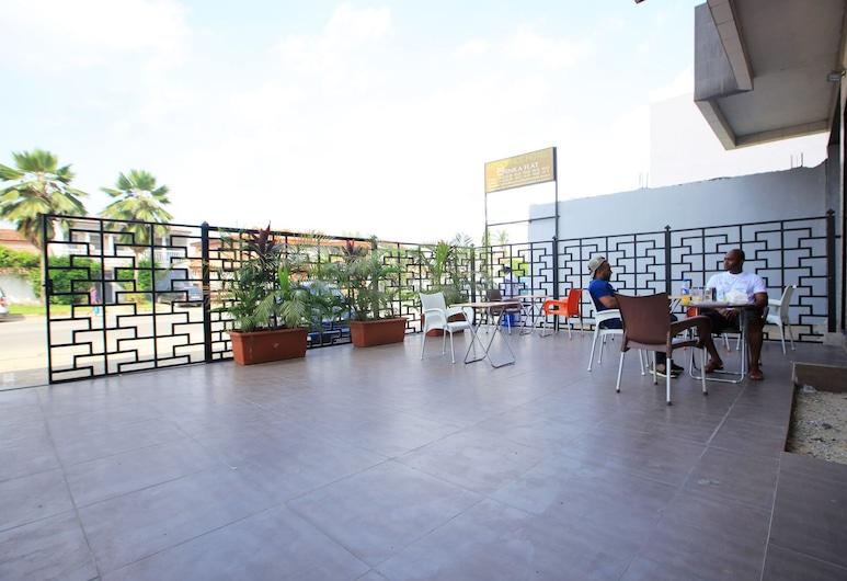 ENKA FLATHOTEL, Abidjan, Sportsbar
