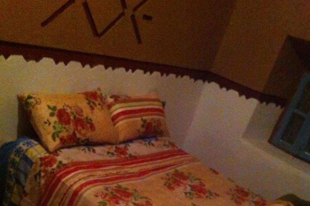 Tek Büyük Yataklı Oda - Oda