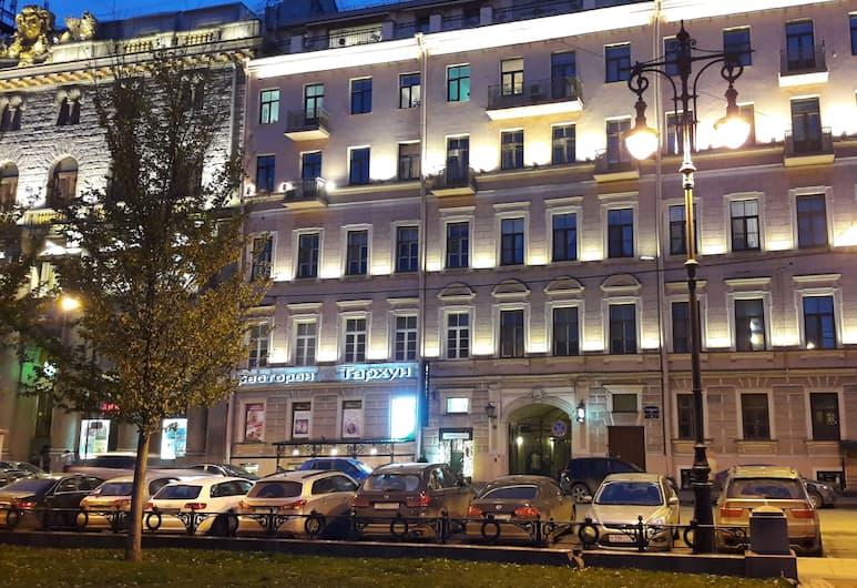 Гостевой дом «Люмьер», Санкт-Петербург, Вид снаружи / фасад