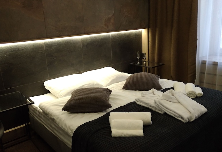 People Red Square Hotel, Moscow, Economy Double Room, Guest Room