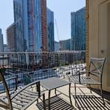 Downtown LA City View Suite - Balcony
