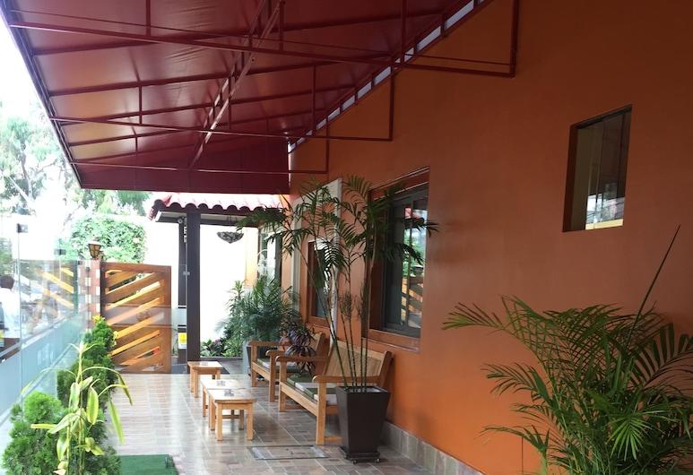Hotel Tinkus Inn, Lima, Terrace/Patio