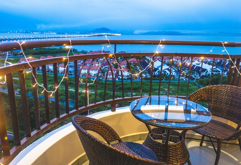Panoramic 180 Cozy Suite by D Imperio Homestay, George Town, Rodinný apartmán, 3 spálne, Balkón
