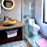 Superior Double Room B - Bathroom