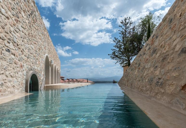 Euphoria Retreat - A Holistic Wellbeing Destination Spa, Sparta, Udendørs pool